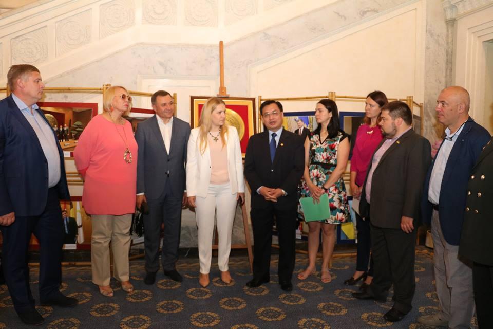 Đại sứ quán Việt Nam tổ chức triển lãm ảnh tại tòa nhà Quốc hội Ukraina