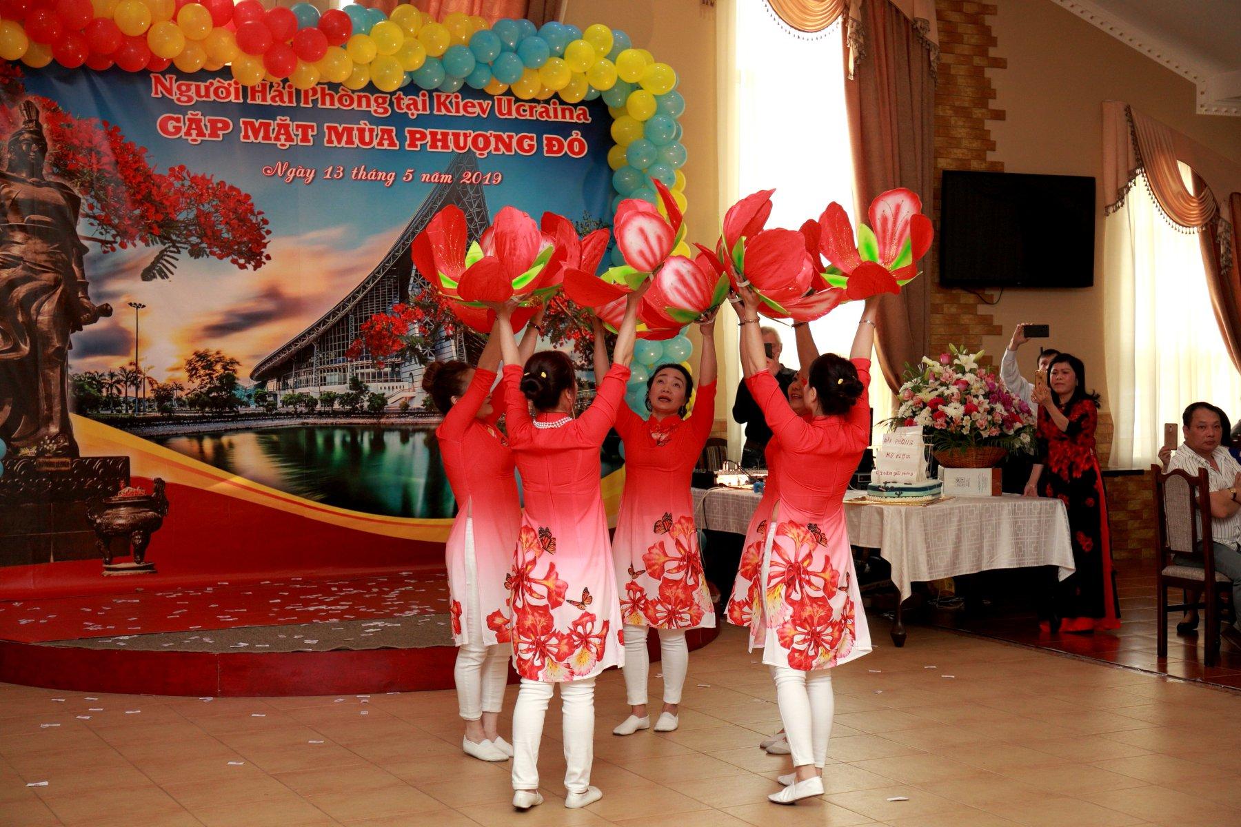 Những người con Hải Phòng Kiev hướng về quê hương nhân ngày kỷ niệm 64 năm giải phóng thành phố