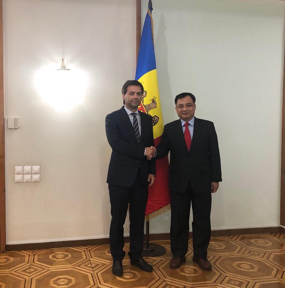Đại sứ Việt Nam chào Tổng thống và Ngoại trưởng Moldova nhân kỷ niệm 28 năm ngày Độc lập của Moldova