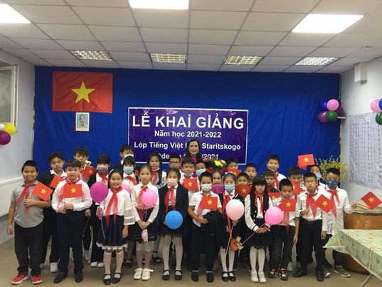Phóng sự ảnh: Khai giảng lớp học tiếng Việt tại Làng Staritskogo